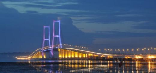 Jembatan-Suramadu-Tempat-Wisata-Di-Surabaya-Jawa-Timur