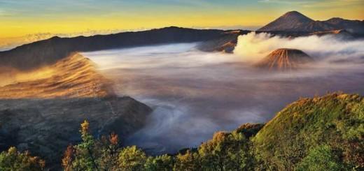 Bukit Mentigen Bromo,Tempat Melihat Sunrise Di Bromo