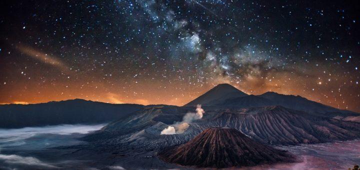 Paket Wisata Bromo Milky Way, Sunrise 2 Hari 1 Malam