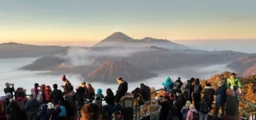 PAKET WISATA JAWA TIMUR, Gunung Bromo, Kawah Ijen, Tumpak Sewu, Malang Batu, Surabaya City Tour