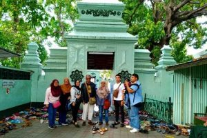 Paket Ziarah Wali 5 di Surabaya