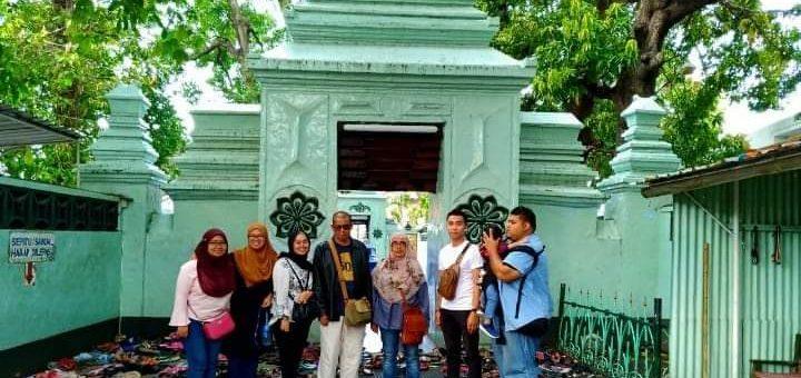 Paket Wisata Ziarah Wali Songo di Surabaya